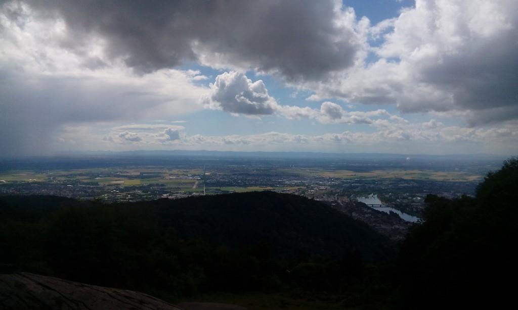 Foto: Blick vom Königsstuhl auf die Rheinebene